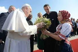Papa Francesco è arrivato in Slovacchia, seconda tappa del suo viaggio