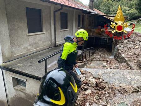 Maltempo:due persone salvate tra fango e detriti