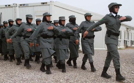 Afghanistan: poliziotta uccisa dai talebani