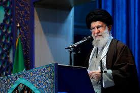 Khamenei grida al tradimento