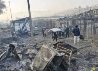 In fiamme il campo migranti