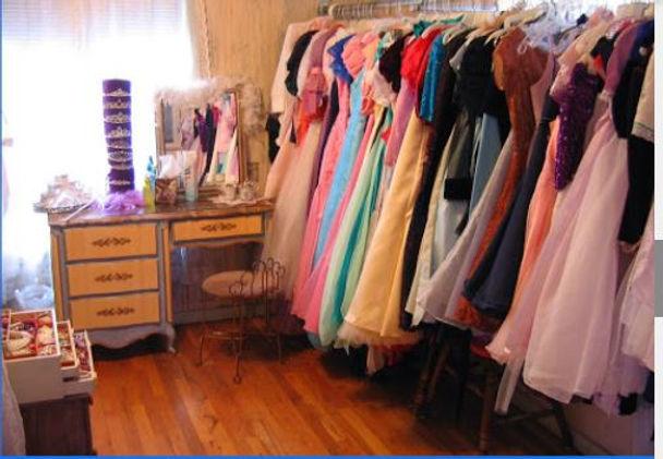 wardrobe room.JPG