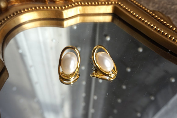 """""""Lola"""" Gold Pearl Earrings"""