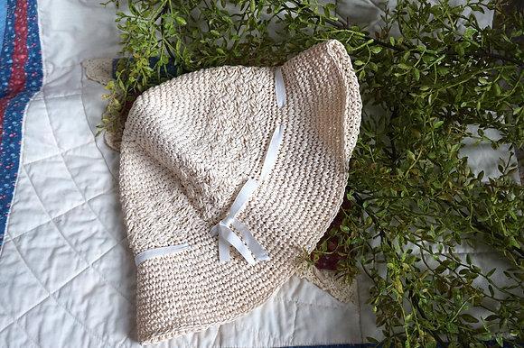 Vintage White Ribbon Cottage Bucket Hat (m/l)
