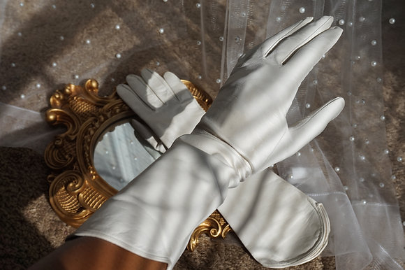 """Tiana"" 1950s Leather Tea Gloves"