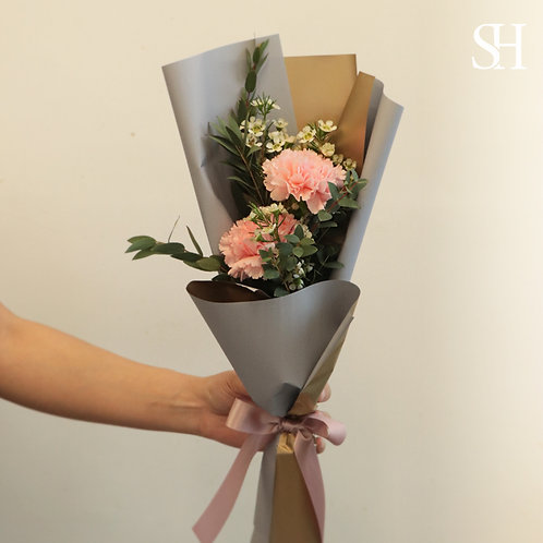 小枝裝康乃馨花束