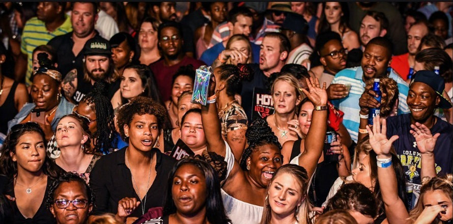 crowd6_edited_edited.jpg