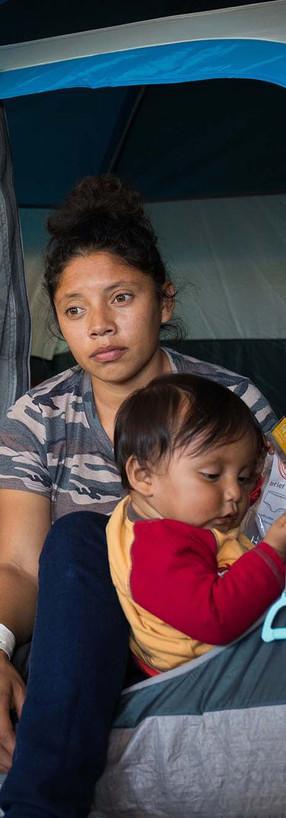 Ceretto_Women of the Migrant Caravan_1-1