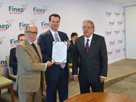 Nesta segunda-feira (19/12) assinei três convênios no valor de R$ 234,8 milhões