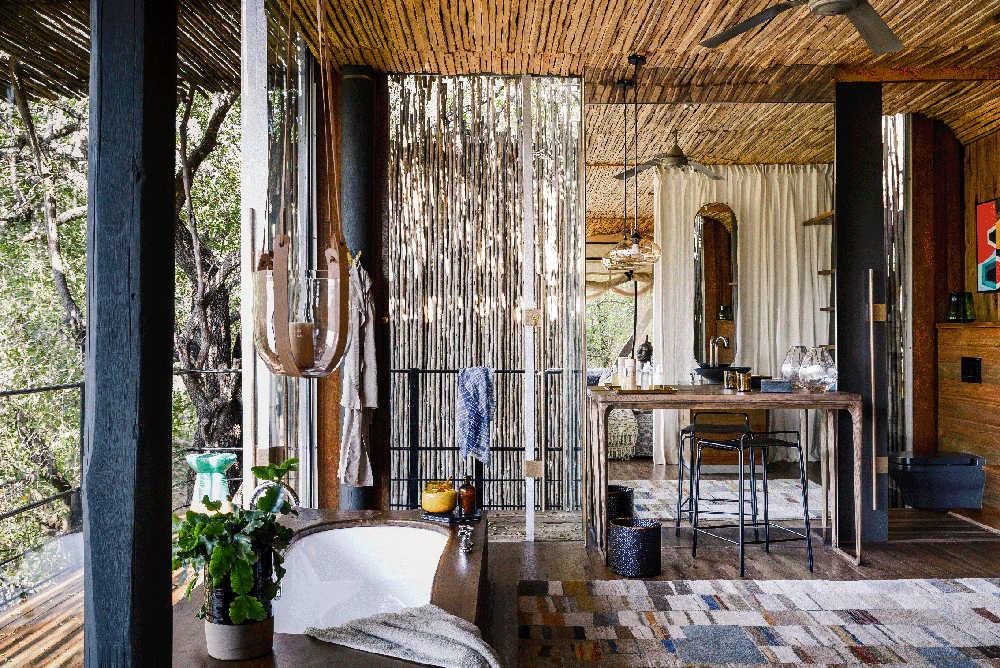 Singita-Sweni-Lodge-suite-bathroom.jpg