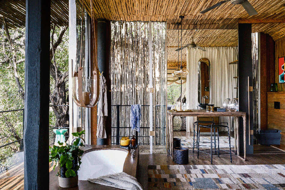 Singita-Sweni-Lodge-suite-bathroom.jpg