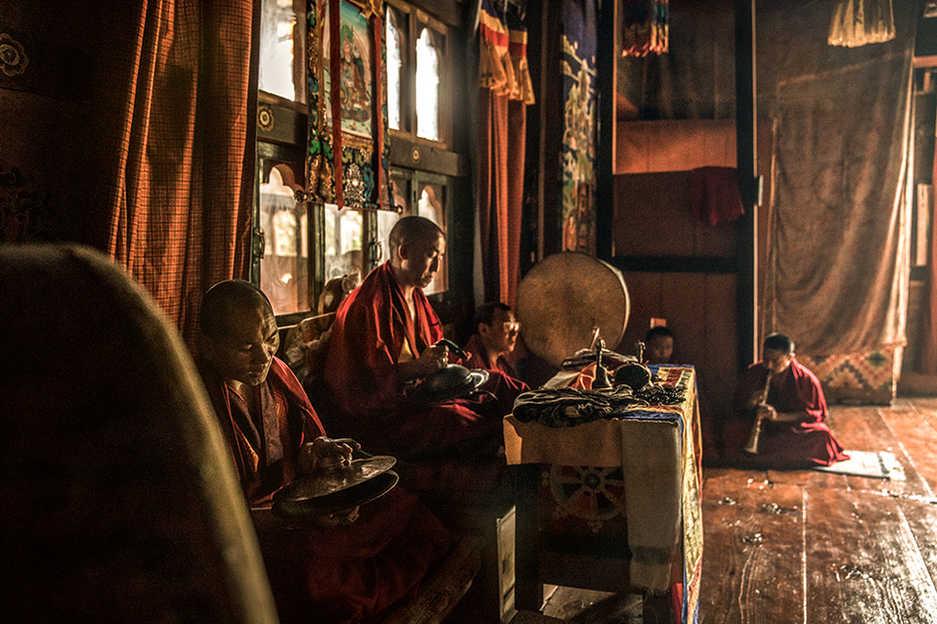 Hi_070691_99767024_Nangkha_Lhakhang_Monk