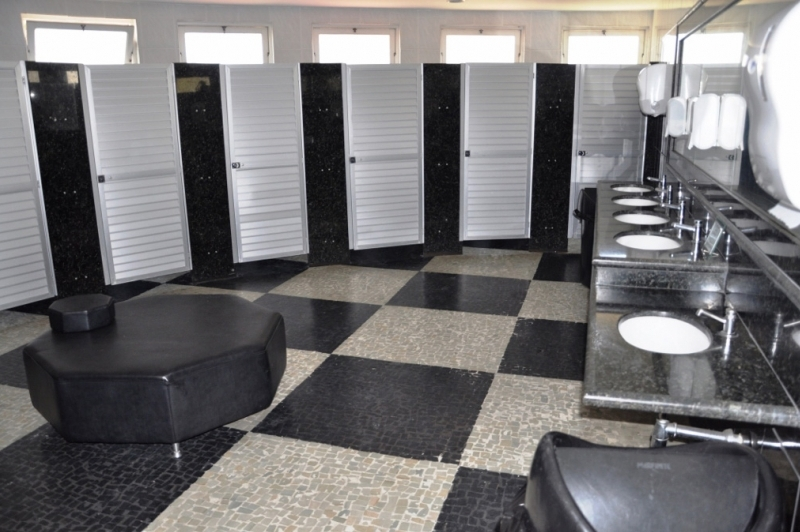 Toaletes Alvina Bitencourt