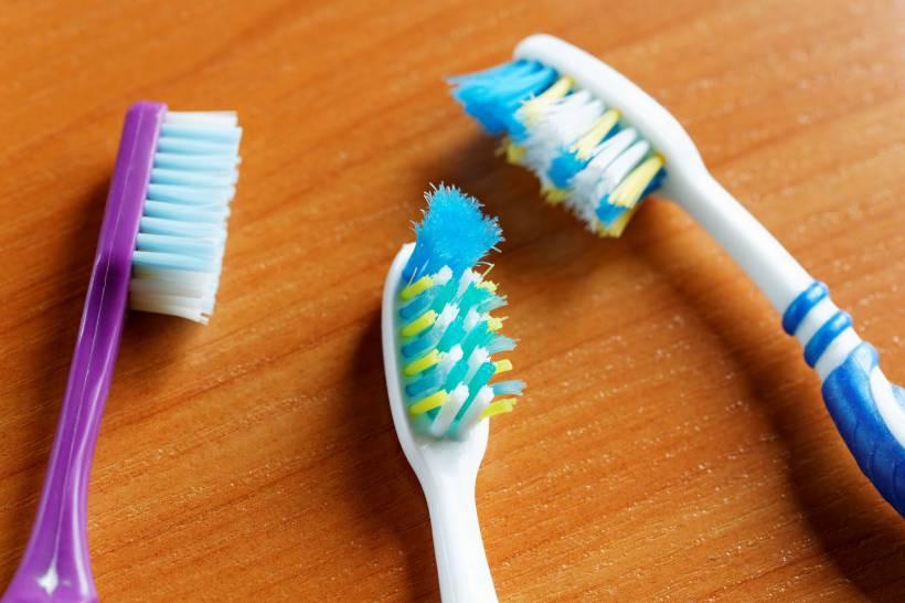 importancia da troca de escova de dentes
