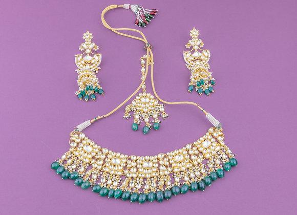 Sanjeet Kundan Emerald Choker Set
