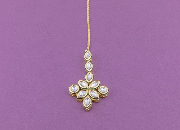 Dainty Diamond Kundan Tikka