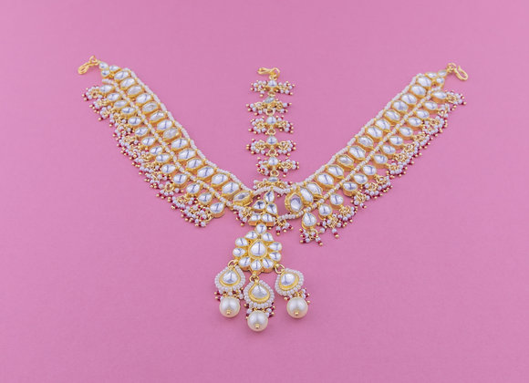 Pearl Matha Patti (available in 2 colours)
