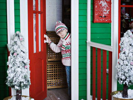 Christmas Doorstep Portraits