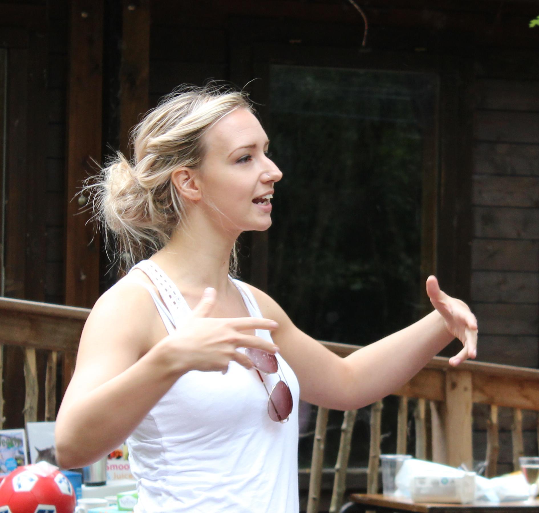 Lizz, speech therapist, in action!