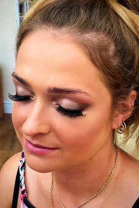 Bridesmaid make up look with lashes 🤗.j