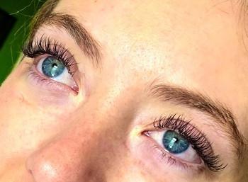 Individual eyelash extensions 💝.jpg