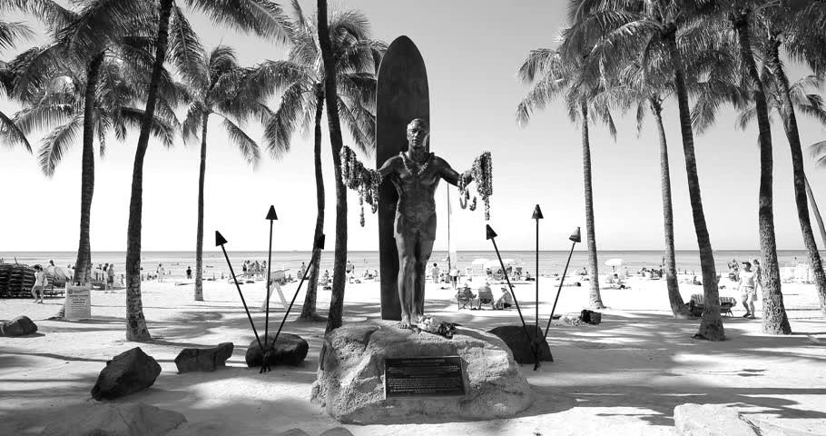 https://www.shutterstock.com/es/video/clip-13268753-waikiki-beach-hawaii---circa-december-2015