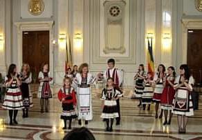 Smaranda Mada Livescu > UNIFERO, un ACASA pentru femei de pretutindeni si suporterii lor