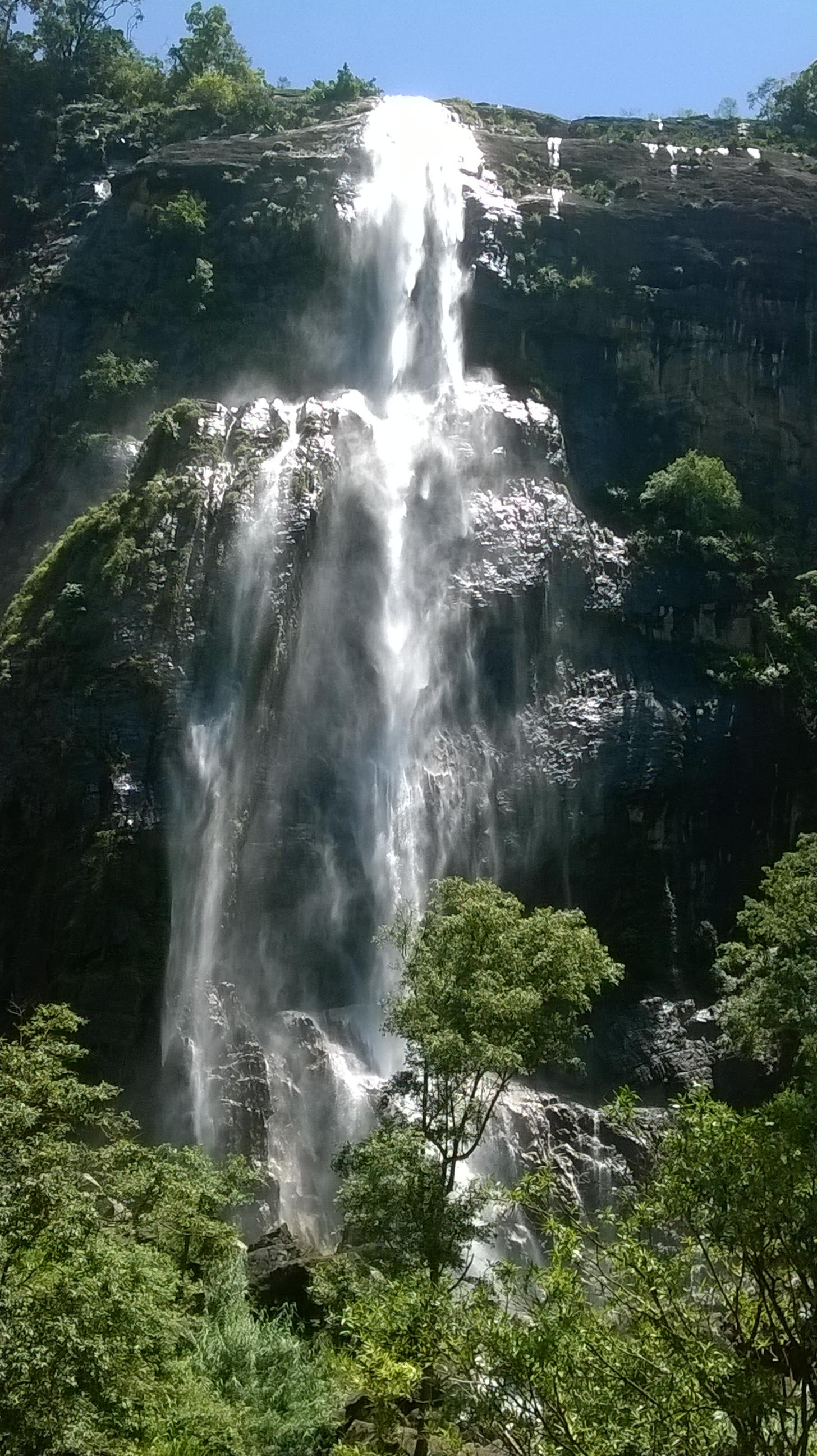 Водопад Дьялума