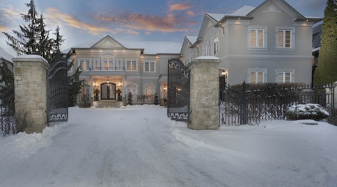 Luxury House In Thornhill