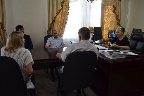 В Министерстве здравоохранения прошла встреча с врачами из Хабаровска - физиками и радиологами.