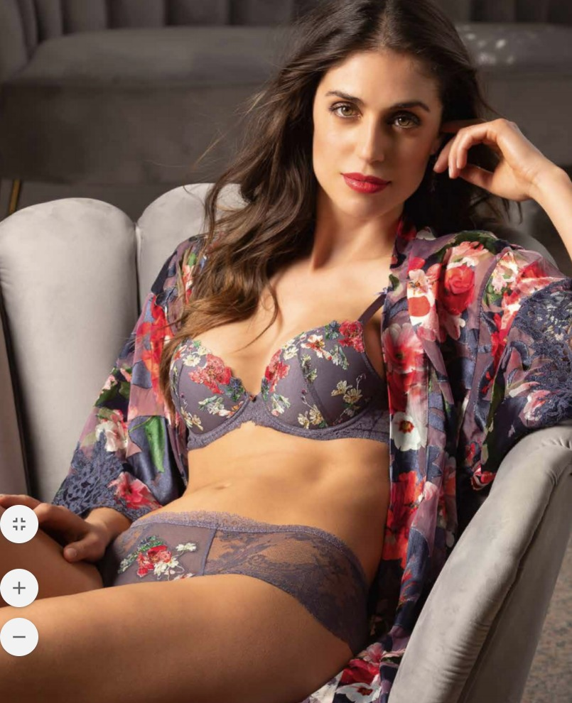 Reve Orchidee by Lise Charmel