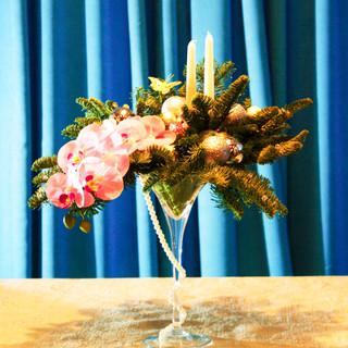 Новогодняя композиция с орхидеей