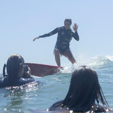Surf na gravidez: como flutuar na prancha com um barrigão?