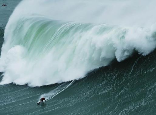 Nazaré Tow Surfing Challenge está on com uma brasileira no lineup