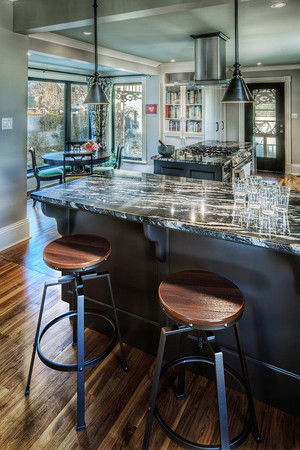 kitchen-bar-towards-picture-window.jpg