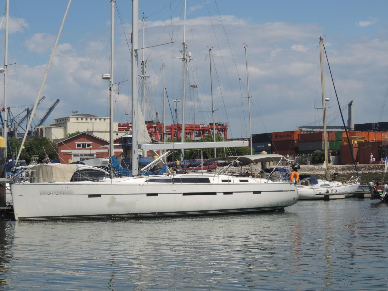 Luxury Sailing in Lisbon