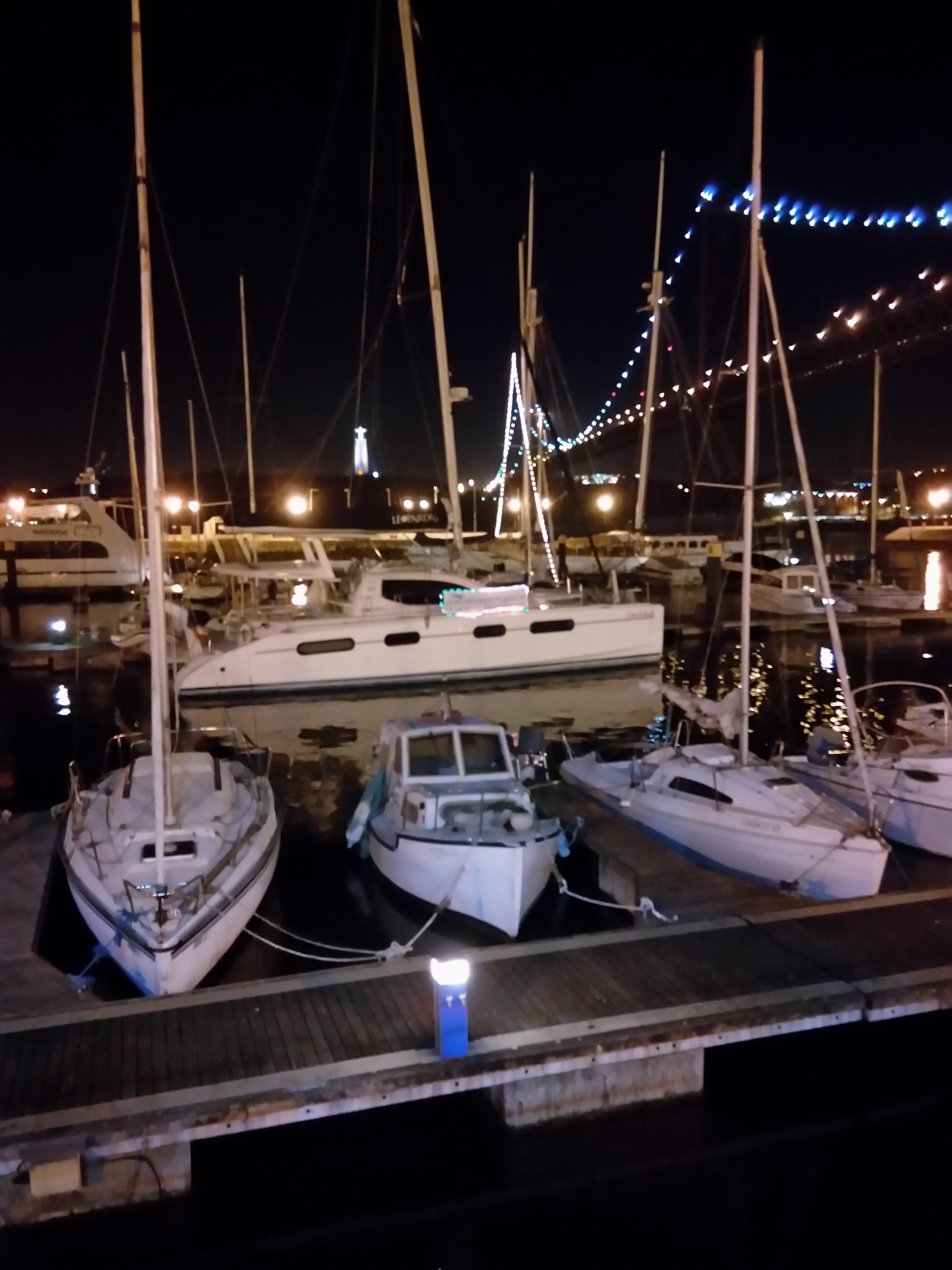 Passeios e festas a bordo barco