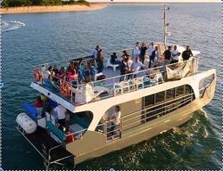 Catamaran Moderno emSetubal