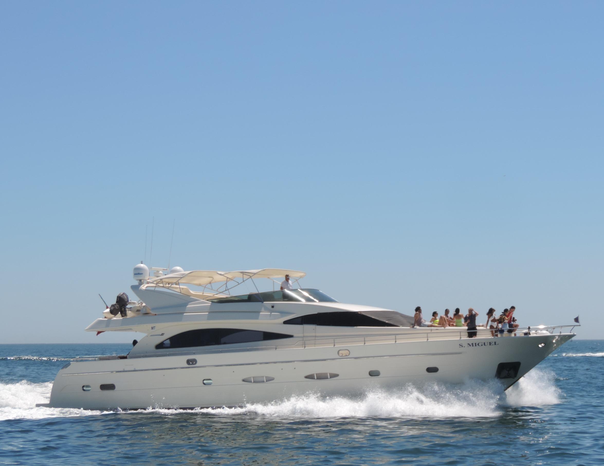 Yacht charter in Lisbon