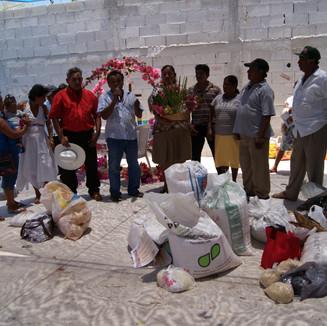 Suctuc recibe canasta de Sahcabchén 2010