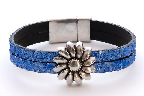 Sparkling Blue Daisy