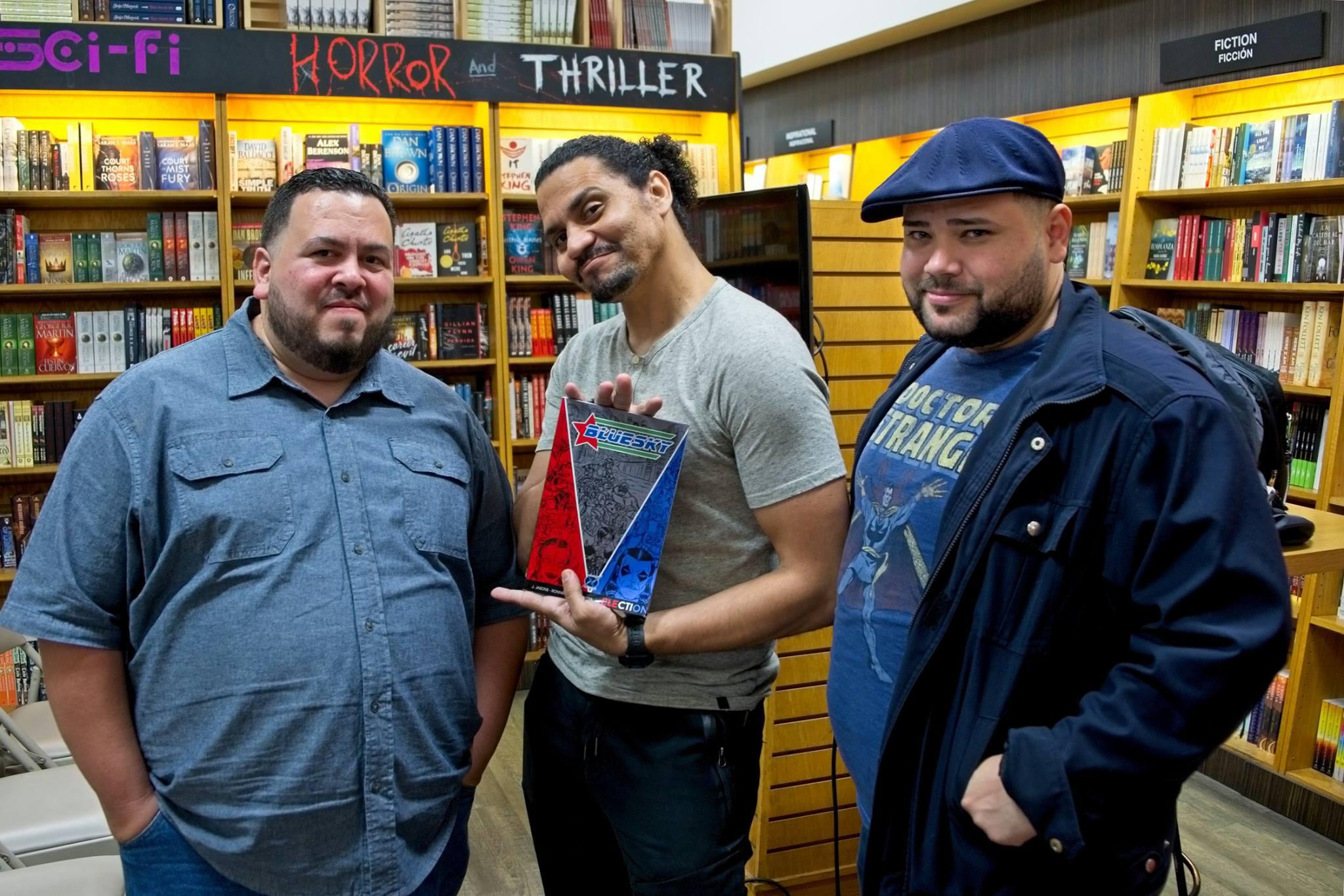 Will Cabrera, Jay Jason (creador) y Enoc Pérez durante el Encuentro de Artistas de Cómics en The Bookmark.