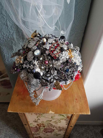Amanda Jensen (Vooys) brooch bouquet.jpg