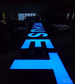 Lysbokstaver med nytt lys og folie