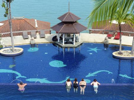 จุดที่ 04 สระว่ายน้ำวิวทะเลอันดามัน Swimming Pool with Stunning View of Andaman Sea