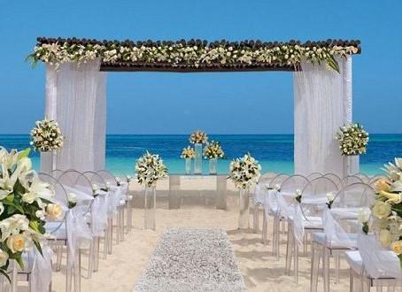 Dicas para realizar casamentos a beira mar