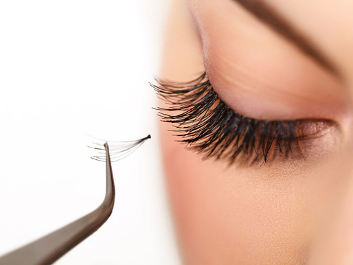 USING EYELASH EXTENSIONS TO SAVE TIME WITH A HECTIC SCHEDULE