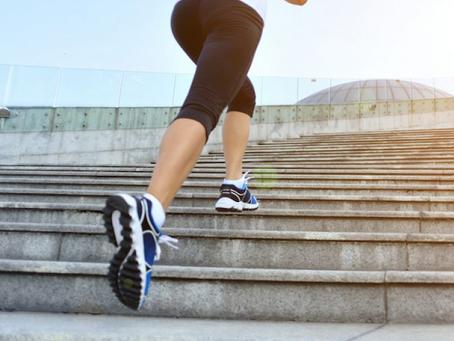 Os benefícios de subir e descer escadas