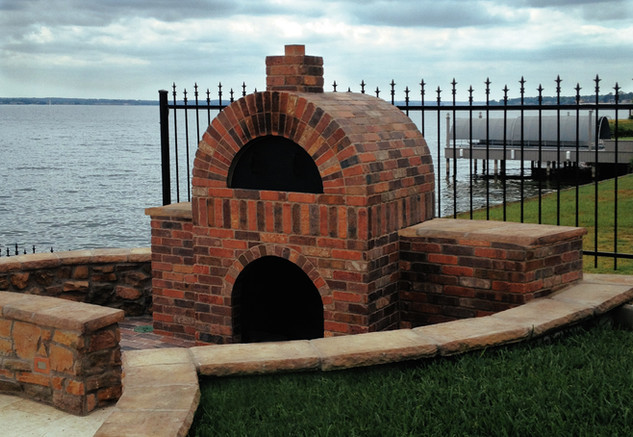Outdoor Woodfired Stone Pizza Oven