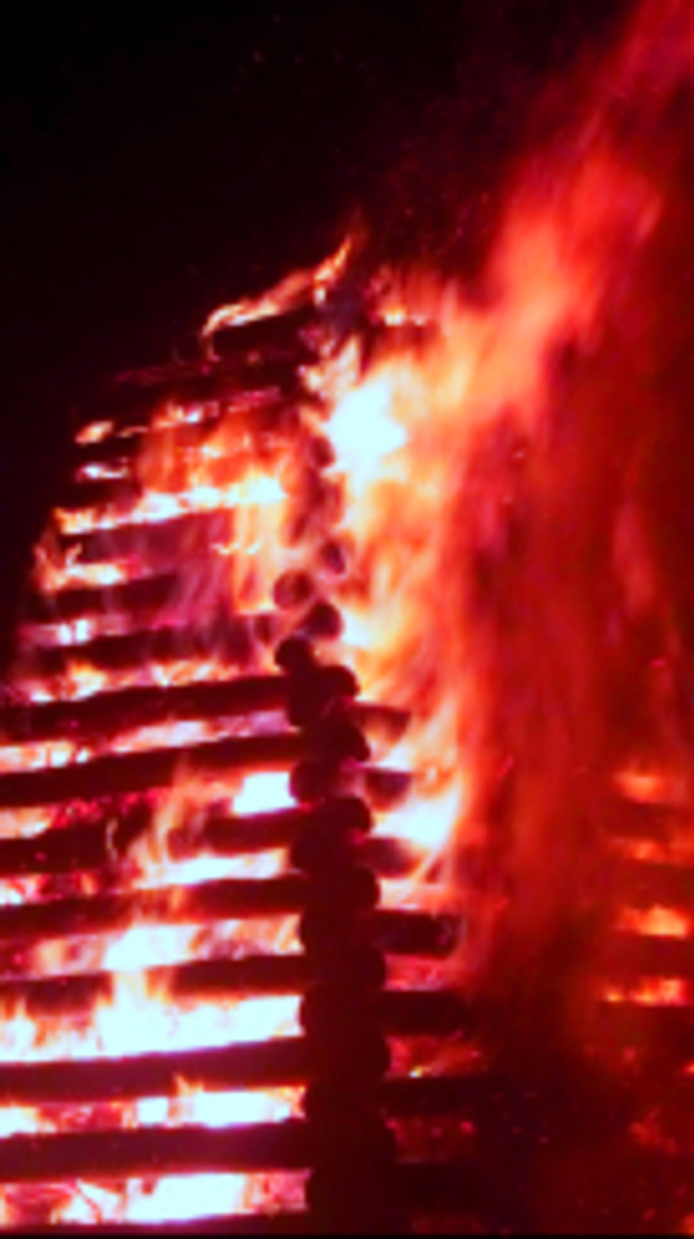 Starkov's Čarodejnice bonfire in full blaze